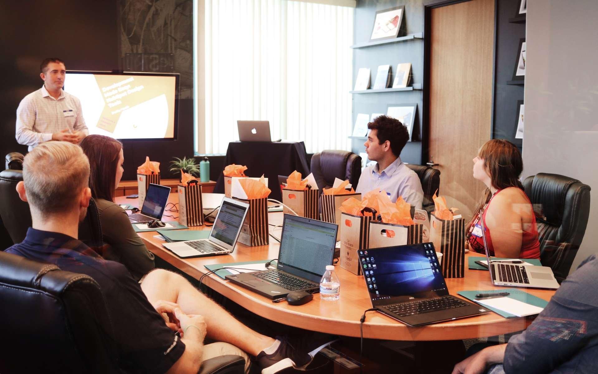 startup investor pitch deck